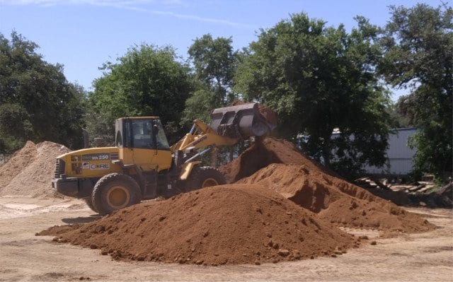 Screened Topsoil - Texas Soil and Stone